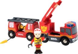 BRIO 33811000 Feuerwehr-Leiterfahrzeug mit Licht und Sound, Holz und Kunststoff, ab 3 Jahren